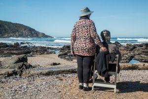Personnes âgées profitant de leur retraite.