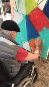 L'inspiration pour graffer vient facileemnt aux résidents de maison de retraite.