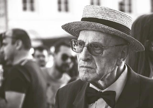 Photographie d'une personne âgée en EHPAD.