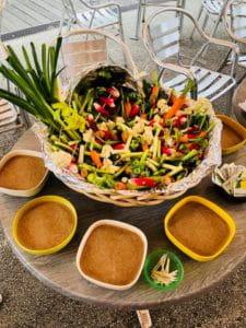 Apéritifs de légumes à croquer, préparés avec les produits livrés aux maisons de retraite Senectis.