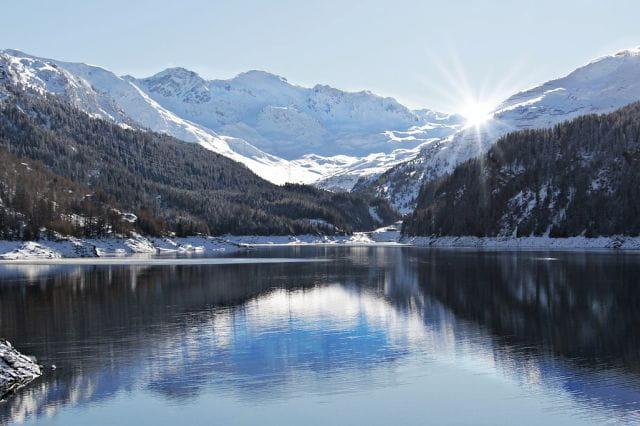 Photo d'une montagne enneigée à l'occasion d'une sortie avec les maisons de retraite Senectis.