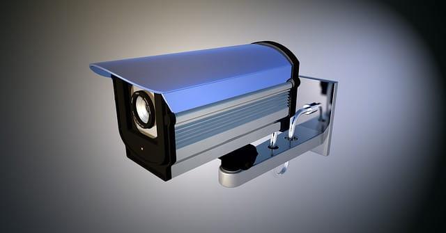 Caméra de surveillance dans les EHPAD.