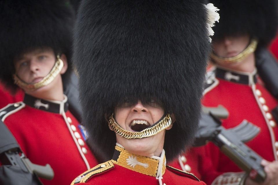 Des gardes de Buckingham Palace.
