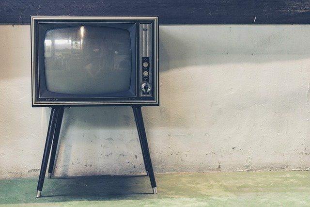 Vieux téléviseur.