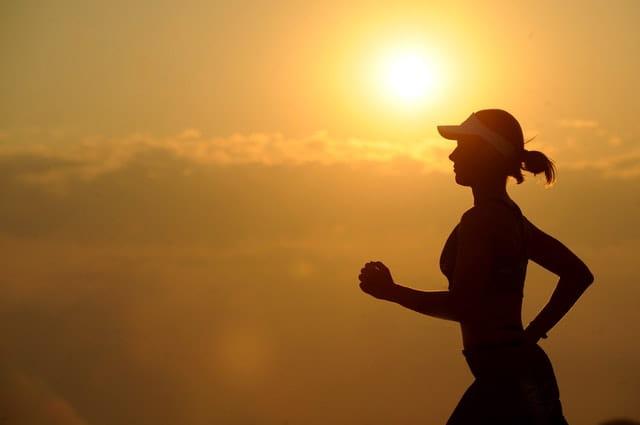 Femme qui coure.
