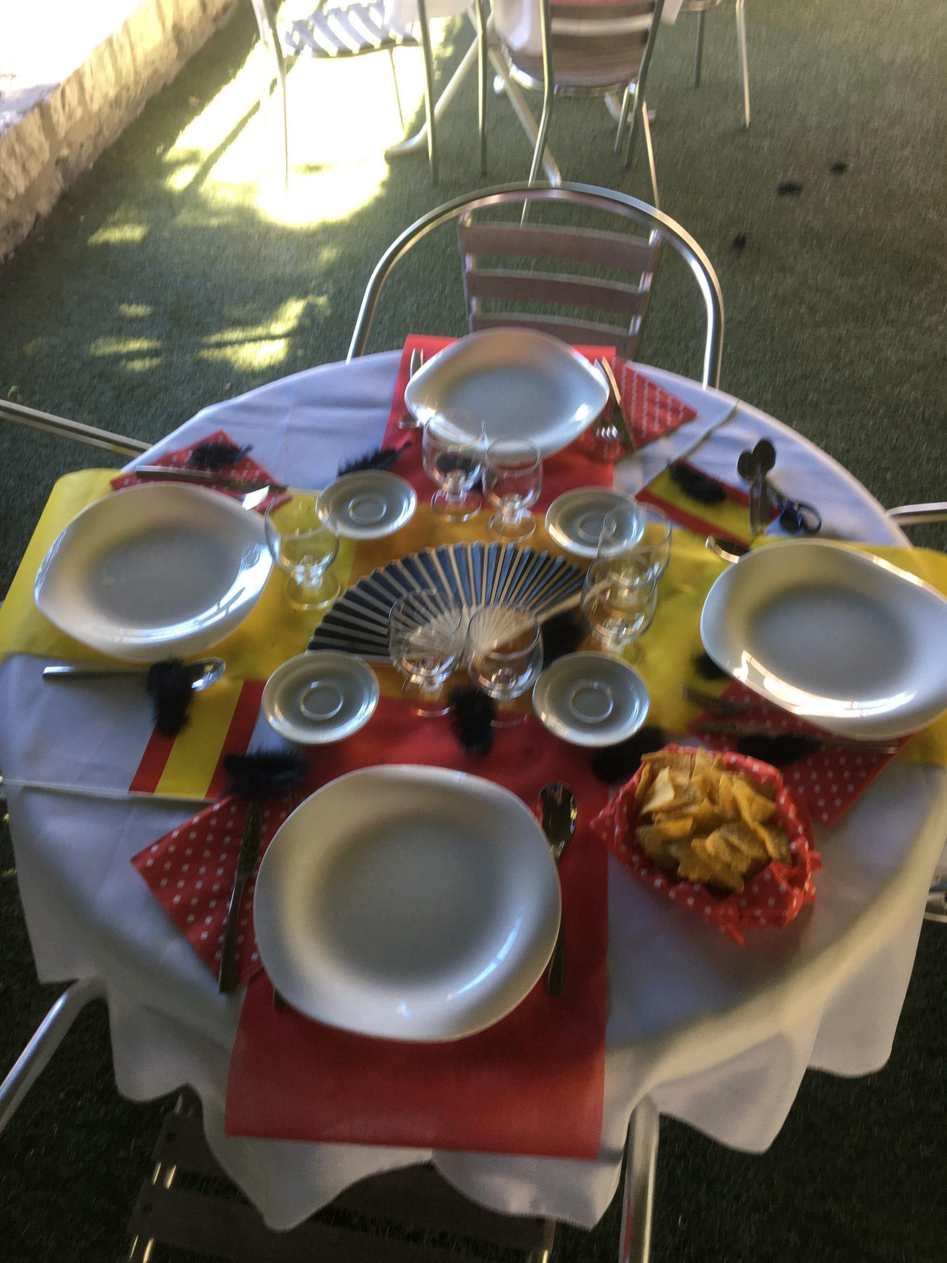 Repas espagnol en maison de retraite.