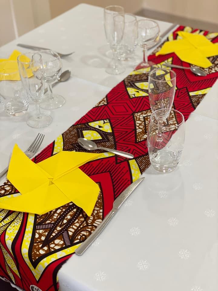 Décoration de table sur le thème du Sénégal.